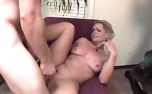 MILF squirt in doggy - Part 2 on porrnurbate com