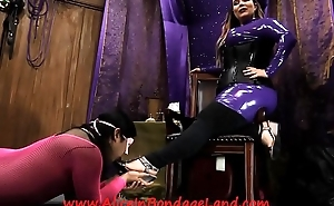 Pedicure Bargain - Foot Fetish Mistress Worship AliceInBondageLand